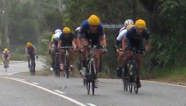 The bunch start winding up the sprint in B grade