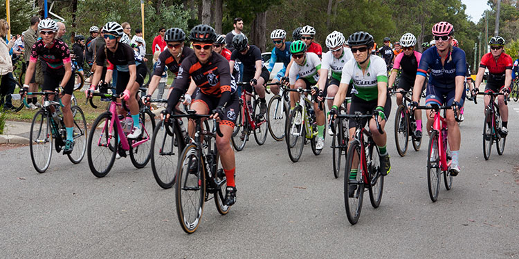 20 women riders starting the Peel Classic