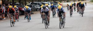 25 rider bunch sprint finish
